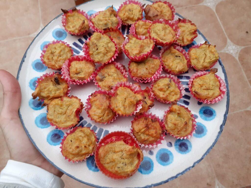 Magdalenas de manzana y zanahoria blw